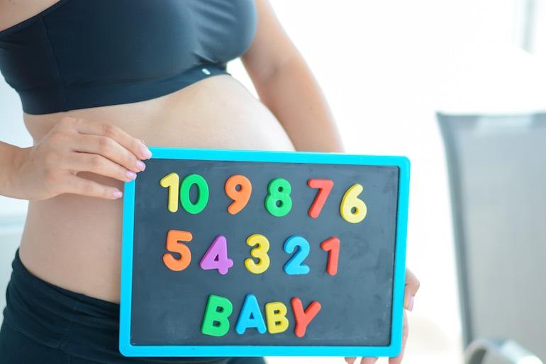 maternity-bra-baby-sign